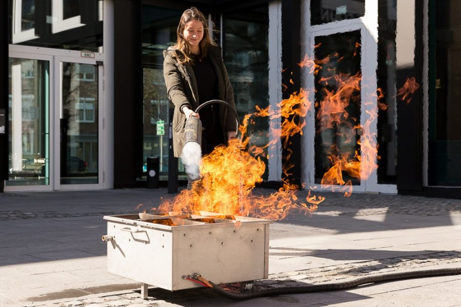 Feuer löschen am Firetrainer